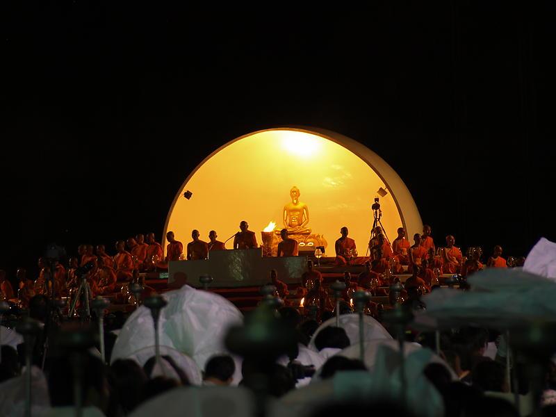 Alles findet im Rahmen einer Puja statt